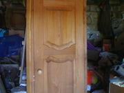 Новая деревянная дверь с коробкой